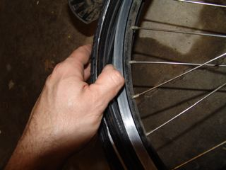 Using Tire Levers To Change Bicycle Tires