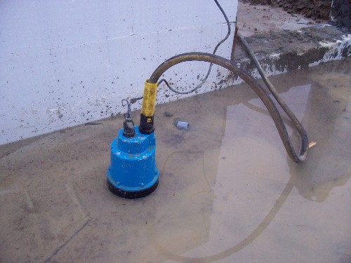 sump pump hook up to garden hose Lawns-n-landscapes, inc your drain line to back up, your sump pump will be able to continue working by to insert a garden hose to flush the.