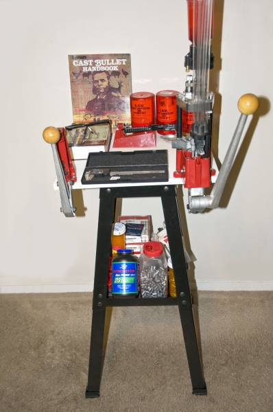 Portable reloading bench bing images for Apartment workbench plans